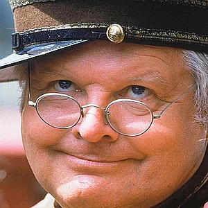 BENNY HILL AT MADAME TUSSAUD'S IN LONDON, BRITAIN TO UNVEIL HIS NEW WAXWORK - 1986